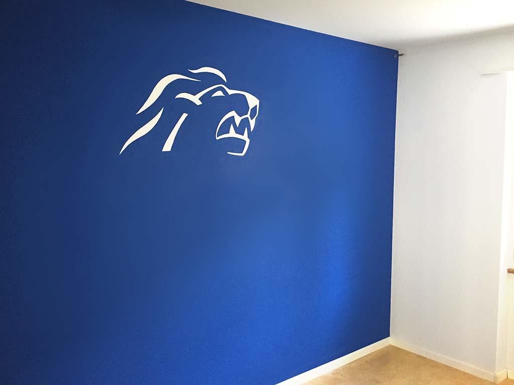 Wand ZSC-Logo Kinderzimmer Malerarbeiten Bassersdorf Chris Stettler