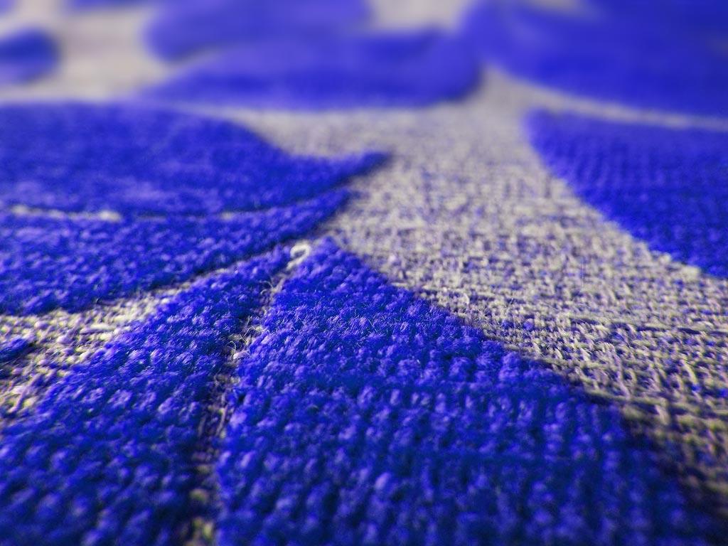 Muster Teppich Detailaufnahme Blau Chris Stettler Bodenleger